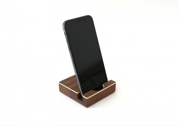 iPhone Halterung aus Holz