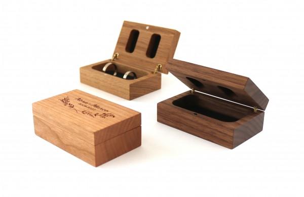 Ringbox aus Holz zur Hochzeit mit Gravur personalisiert