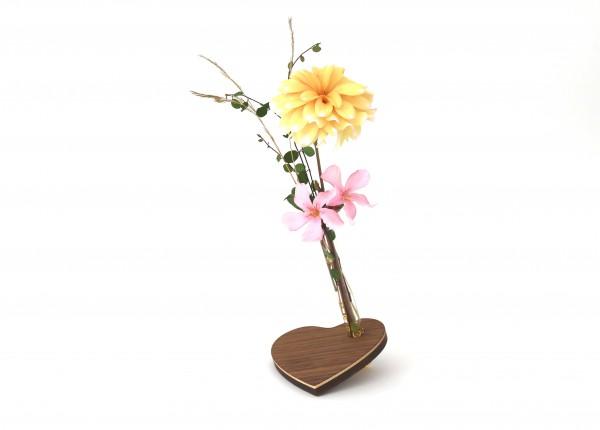 Blumenvase Herz, Nussbaum