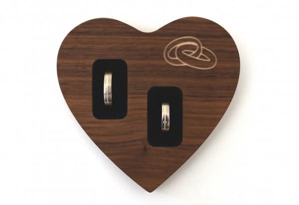 Modernes Ringkissen in herzform aus Holz, Nussbaum