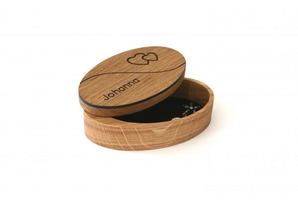 Schmuckdose aus Holz mit Namen personalisiert
