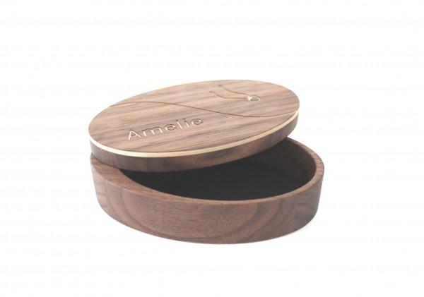Moderne Schmuckschatulle aus Holz mit Gravur, Nussbaum