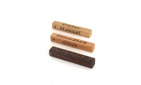 Schlüsselanhänger aus Holz personalisiert