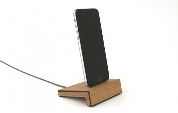 iPhone Ladegerät aus Holz