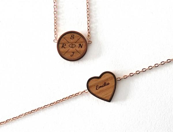 Halskette & Armband aus Holz mit persönlicher Gravur